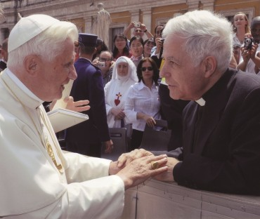 Pope Benedikt XVI. with Father A. Strada, 1994-2017 postulator for the canonization process of Fr. Kentenich